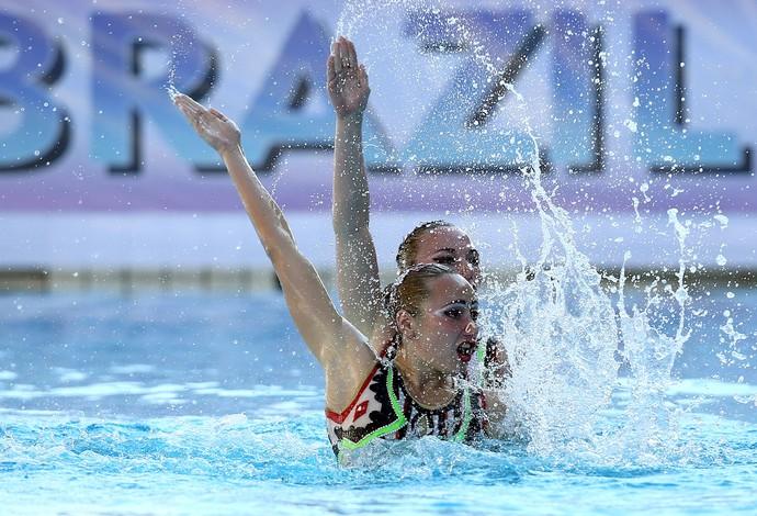 Lolita Ananasova e Anna Voloshyna nado sincronizado (Foto: Satiro Sodre/SS Press)