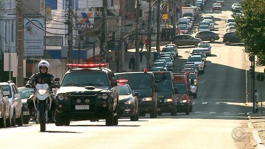 Corpo de policial civil morto durante operação é velado em Porto Alegre
