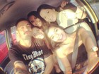 Ex-BBB Yuri posa com mulheres na volta de festa que tem Neymar