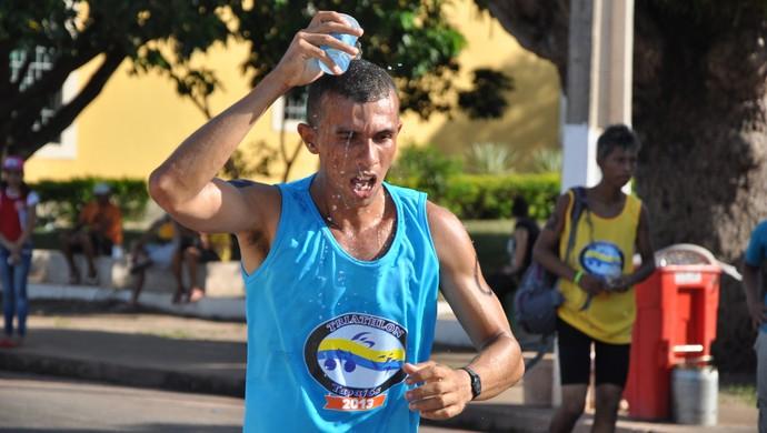 hidratação antes e durante o trajeto  (Foto: Zé Rodrigues/TV Tapajós)