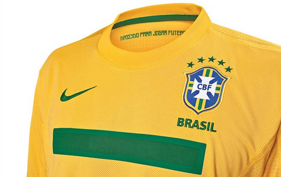 FOTOS  conheça as novas camisas da Seleção - fotos em seleção brasileira 5f8a39ee4507c