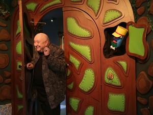 'Castelo Rá-Tim-Bum - A exposição' é dedicada ao programa infantil da TV Cultura, com objetos de cena, fotografias, figurinos dos personagens, trechos do programa e uma visita ao castelo cenográfico. A produção completa 20 anos em 2014 (Foto: Paulo Pinto / Divulgação)