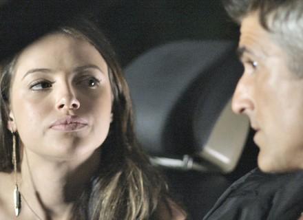 Giovanna elabora plano para desmascarar Alex