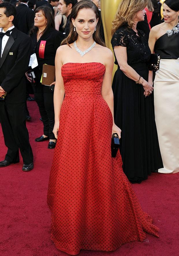 Natalie Portman usou um vestido Christian Dior de 1954 no Oscar 2012 (Foto: Getty Images)