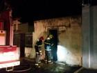 Cômodo de sapataria desativada pega fogo em Uberlândia