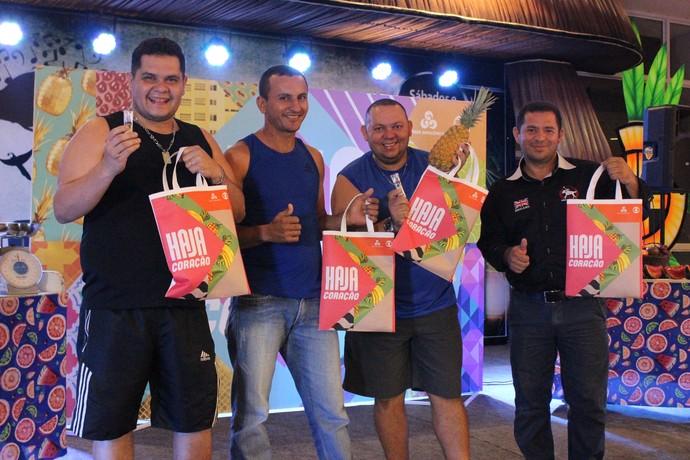 Quem participou das brincadeiras pôde ganhar brindes personalizados (Foto: Katiúscia Monteiro/ Rede Amazônica)