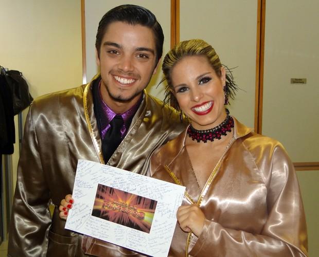 Carta dos famosos para os finalistas (Foto: Domingão do Faustão / TV Globo)