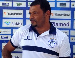 Rocha acredita em um jogo bastante difícil contra o Sousa-PB (Foto: Felipe Martins/GLOBOESPORTE.COM)