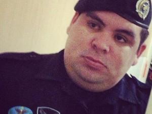 Policial Militar Osmar Júnior morreu nesta quinta-feira. Ele é um dos com compunha a suposta de listagem mencionada por uma preso em depoimento (Foto: Reprodução/Facebook)