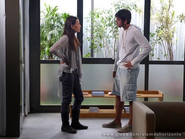 Marlon mente para Tereza e consegue esconder William (Foto: Além do Horizonte/TV Globo)