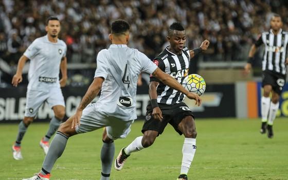 Atlético-MG x Botafogo no Brasileiro de 2016. Clubes entraram em acordo para privilegiar visitantes em 2017 (Foto: Bruno Cantini / Atlético-MG)