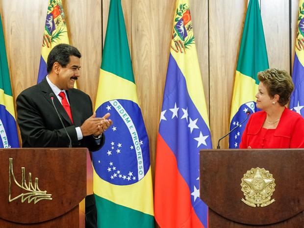 Dilma Rousseff e Nicolás Maduro durante declaração à imprensa (Foto: Roberto Stuckert Filho/PR)