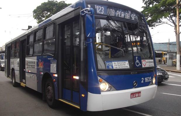 Motorista de ônibus também sofre (Foto: Divulgação)