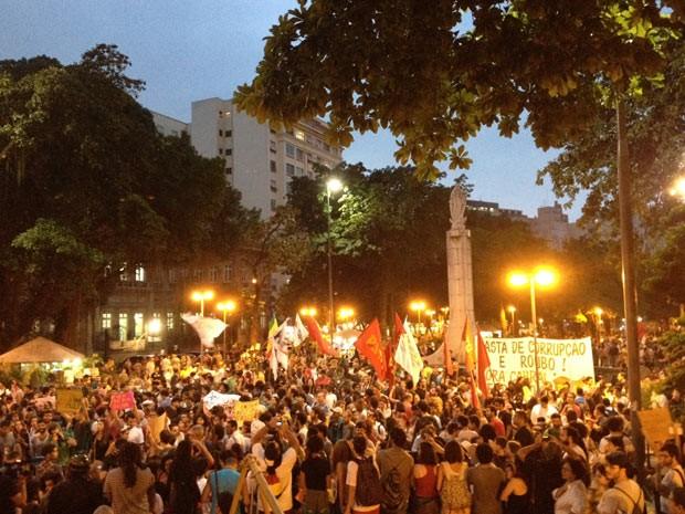 Manifestantes tomaram o Largo do Machado (Foto: Gabriel Barreira/G1)