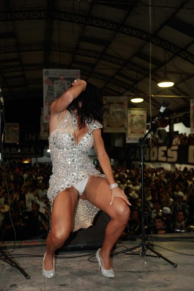 Carla Prata na Gaviões da Fiel (Foto: Leo Franco/Ag News)