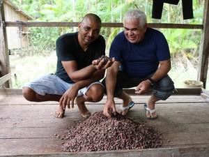 César de Mendes, um dos pioneiros no setor de chocolate artesanal, e descobridor de uma variação de cacau selvagem no Rio Jari (Foto: Arquivo Pessoal/ César de Mendes)