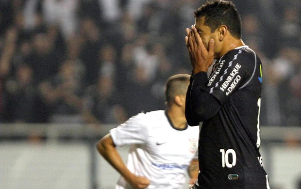 Corinthians x Vasco, Diego Souza (Foto: Roberto Vazquez / Ag&#234;ncia Estado)
