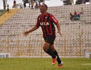 Guilherme comemora gol do Atlético-PR na Copa São Paulo (Foto: Divulgação/Site oficial do Atlético-PR)