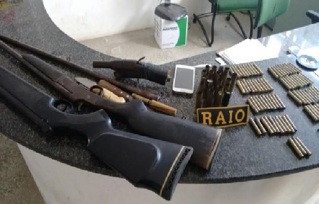 Suspeito de assaltos é preso com armas e munição no interior do Ceará