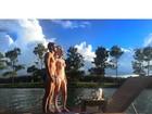 Sophia Abrahão posa com Sergio Malheiros e mostra barriga chapada
