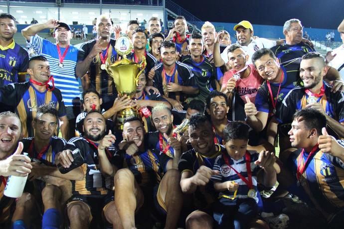 Operário-AM campeão da Série B do Amazonense 2014 (Foto: Adeilson Albuquerque)