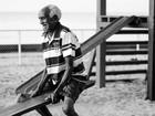 'Levo a vida com bom humor', diz  catador de latinhas de 88 anos no AP