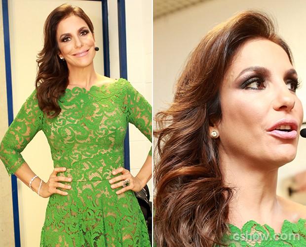 Com o look esmeralda, Ivete optou por mechas volumosas e repartidas para o lado (Foto: Dafne Bastos/TV Globo)