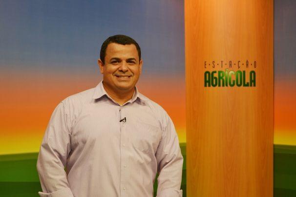 O apresentador Cleverton Macedo apresenta o Estação Agrícola deste domingo (Foto: Tv sergipe/divulgação)
