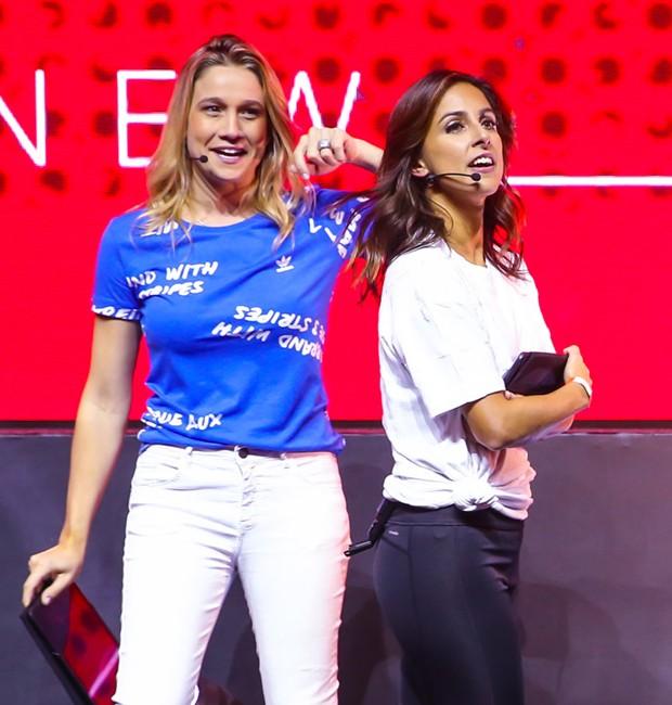 As jornalistas Fernanda Gentil e Carol Barcellos (Foto: Manuela Scarpa/Brazil News)