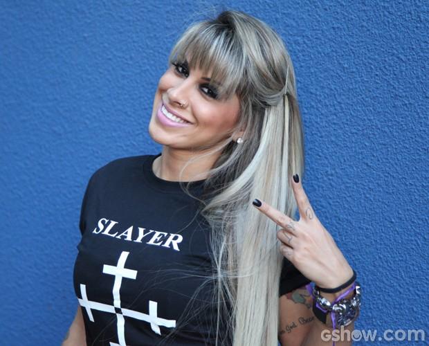 Vanessa posa nos bastidores do Domingão (Foto: Carol Caminha/TV Globo)