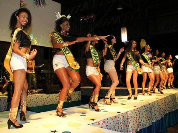 Em 2014, candidata de Ponta Grossa foi eleita a Rainha do Carnaval dos Campos Gerais. (Foto: Divulgação/Prefeitura de Tibagi)