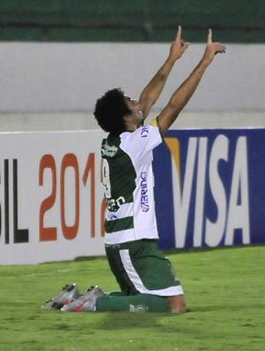 Bruno Mendes comemora gol do Guarani contra o Brasiliense (Foto: Rodrigo Villalba / Memory Press)