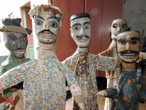 Mamulengos do século XIX, de autoria desconhecida, são peças mais antigas (Foto: Marina Barbosa / G1)