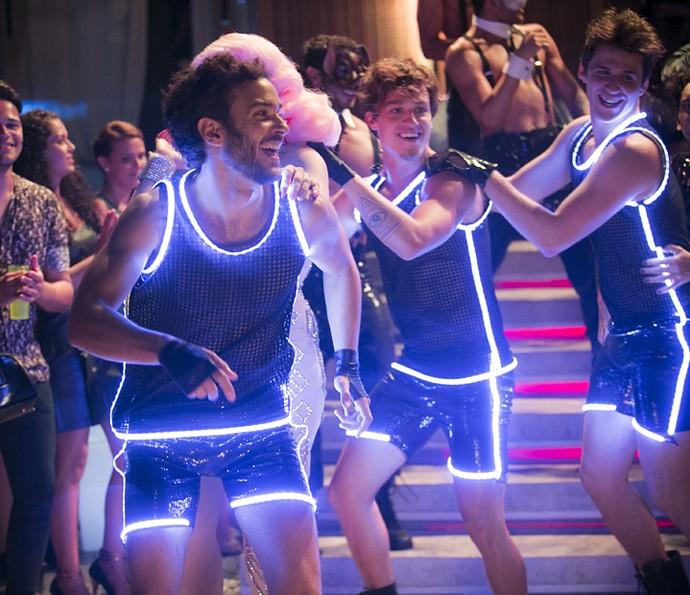 Meninos arrasam na festa de Analu (Foto: Raphael Dias/Gshow)
