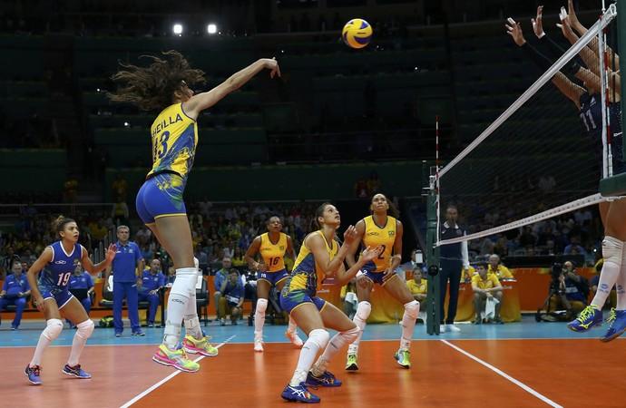 Sheilla Brasil x Argentina vôlei feminino (Foto: Marcelo Del Pozo/REUTERS)