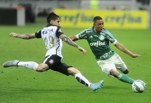 Palmeiras x Corinthians Fagner Gabriel Jesus (Foto: Marcos Ribolli)