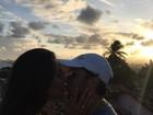 Thammy Miranda posta foto romântica com Andressa Ferreira: 'Mozão'