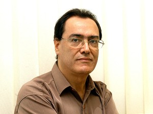 O jornalista e escritor Eustáquio Gomes, que trabalhou na Unicamp (Foto: Antonio Scarpinetti/divulgação Unicamp)