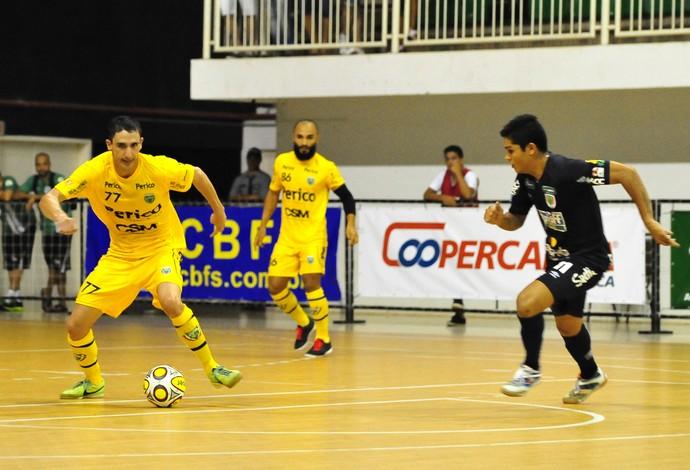 Henrique Jaraguá Superliga futsal (Foto: Ricardo Artifon/CBFS)