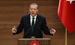 Presidente turco diz estar perdendo a paciência com aSíria e ameaça agir