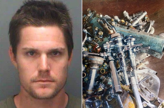 Jovem de 28 anos foi preso acusado de roubar tubos e conexões de banheiros na Flórida (Foto: St. Petersburg (Fla.) Police Department/AP)