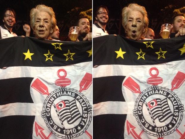 Maria Amparato de Assis posa com a bandeira do Corinthians na frente do Bar do Biu (Foto: Glauco Araújo/G1)