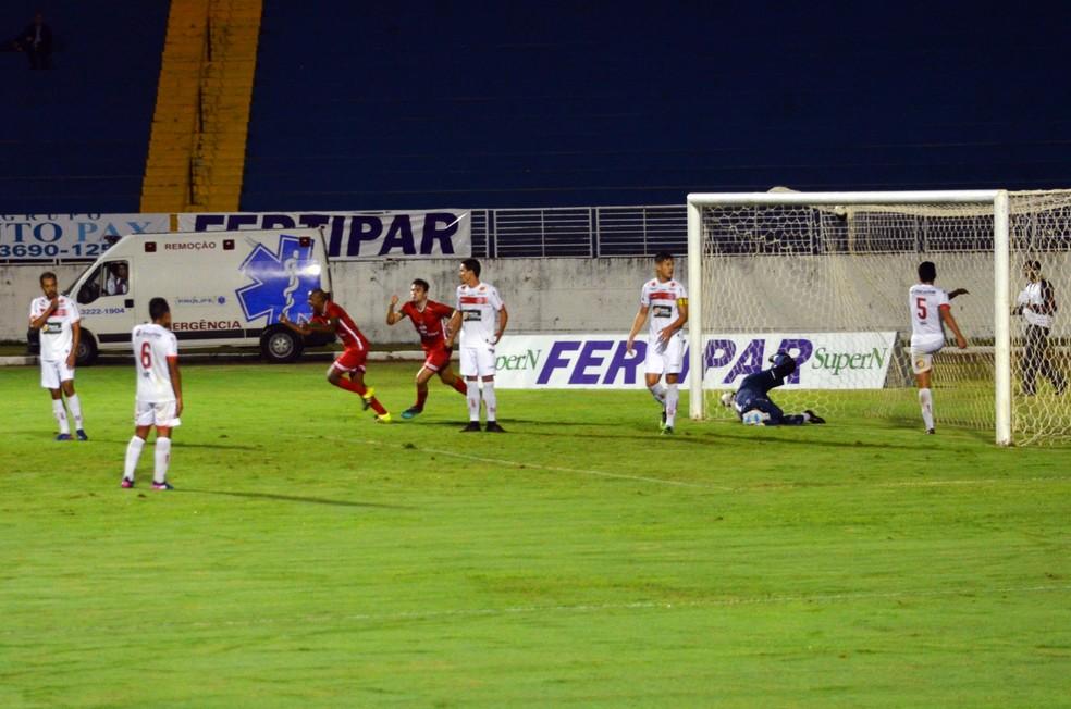 Boa Esporte x Tupynambás (Foto: Maria Cláudia Bonutti/EPTV)