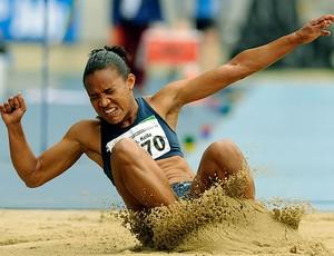 Keila Costa na prova de salto em distância nos Jogos Militares (Foto: Bruno de Lima / Divulgação)