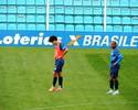 Sem ritmo e sem gols, Bruno Mendes tem que lutar contra o relógio no Avaí
