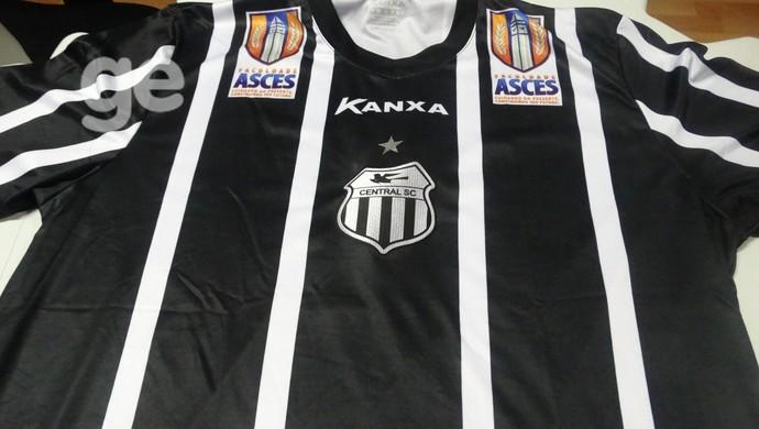 camisa número um do central para série d (Foto: Lafaete Vaz / GloboEsporte.com)