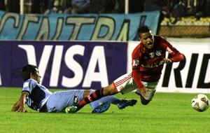 Damir Miranda e Everton, Bolivar x Flamengo (Foto: EFE)