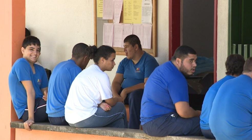 Instituição que atende autistas em Campinas está sem vaga (Foto: Reprodução/EPTV)