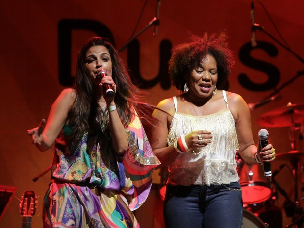 Emanuelle Araújo e Margareth Menezes cantam no Centro do Rio (Foto: Marcello Sá Barretto/ Ag. News)