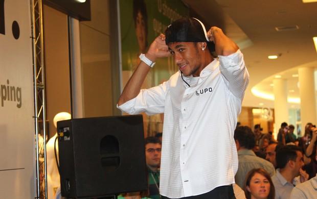 Neymar em shopping de Campinas (Foto: Thiago Duran / AgNews)